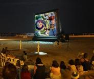 На пляжах Валенсии можно бесплатно посмотреть кино