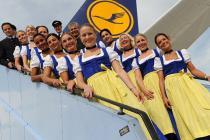 Экипажи Lufthansa вновь наденут национальные костюмы