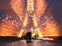 Париж приглашает отметить День взятия Бастилии
