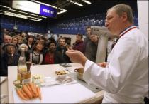 В парижском метро устроили кулинарное шоу