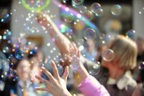Парад мыльных пузырей пройдет в Москве