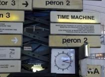 На вокзале Варшавы появилась машина времени