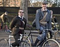 Велосипедисты в твиде проедут по Санкт-Петербургу