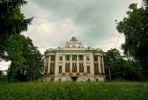 Старинные усадьбы в Ленинградской области станут отелями