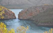 Австралия защитит горизонтальные водопады