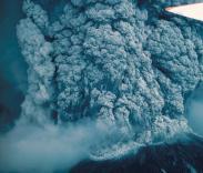 Вулканический пепел срывает авиарейсы в Австралии и ЮАР