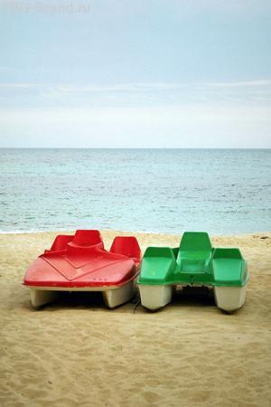 Пустой пляж отеля