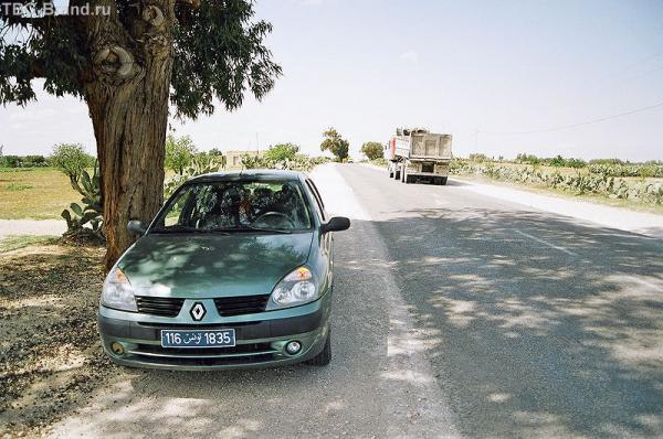 Прокатный пепелац типа Clio Symbol - в Тунисе называется Clio Classic