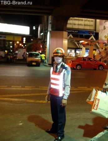 Полицейский в Бангкоке