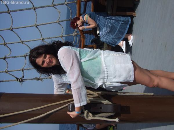 я держусь за яхту или она за меня