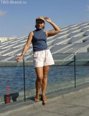 За спиной- Александрийская библиотека