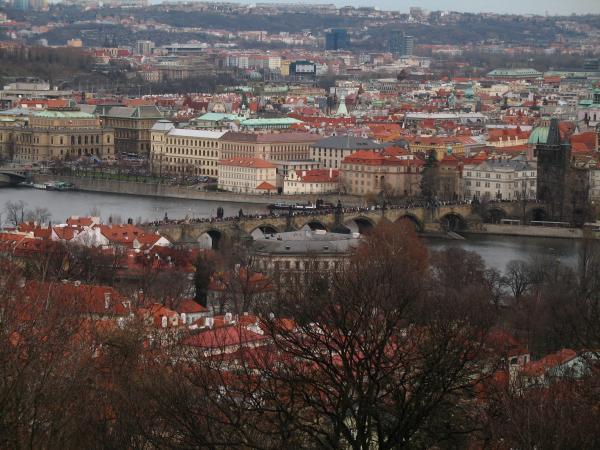 Карлов мост через реку Влтаву
