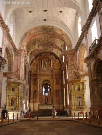 Интерьер церкви Св. Франциска Ассизского