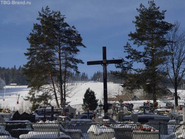 Спуск к могилкам))