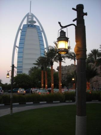 единственный в мире семизвёздочный отель - символ Дубая