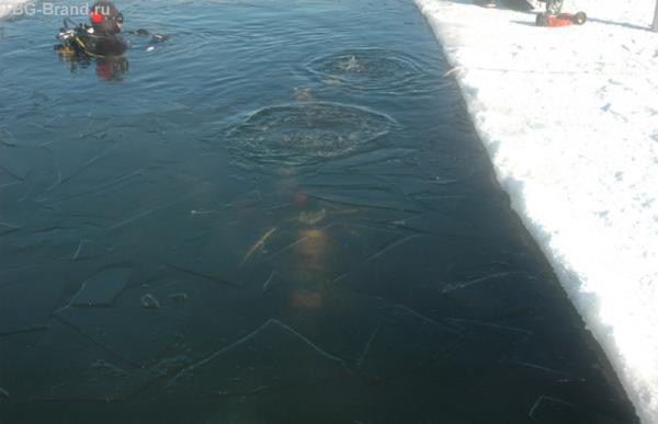 Явно не Красное море, вода замерзает мгновенно…