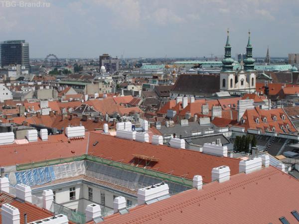 Кстати, поднявшись на северную башню собора, можно увидеть Пуммерину, крупнейший колокол Австрии