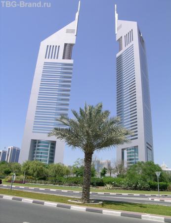 Emirat Towers. Там я купила свой любимый костюм.