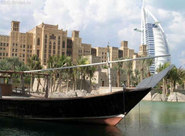Сочетание старины и хай-тек - сама сущность Эмиратов.