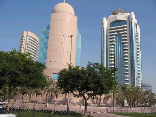 но именно в Эмиратах экзотичность арабского быта сочетается с роскошью, и ослепительным великолепием настоящего Востока