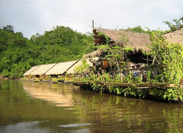 отель на реке