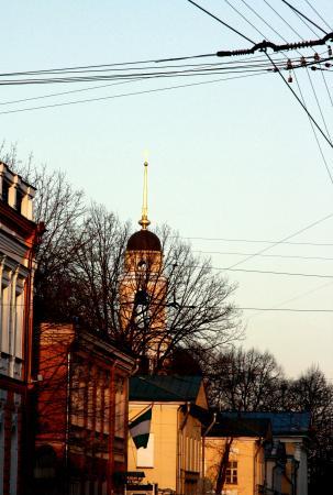 ...Вечерело в Москве в канун Святой Пасхи...