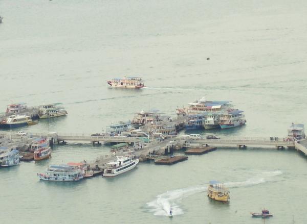 В тайскую гавань заходили корабли...