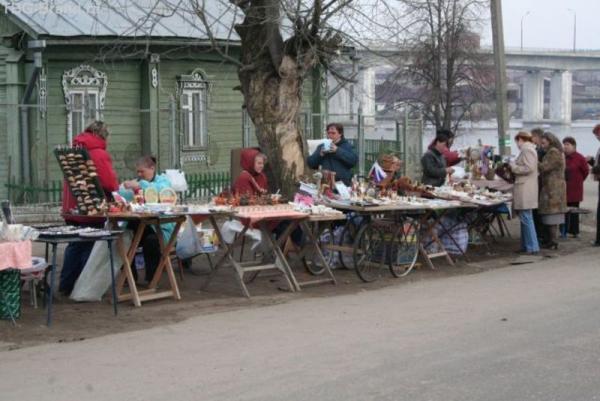 Торговые ряды напротив Ипатьевского монастыря