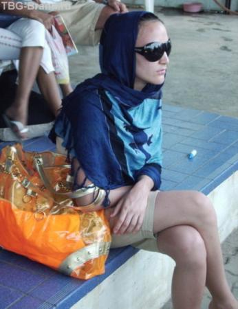 -Девушка вы сумку забыли!  - Аллах акбар!