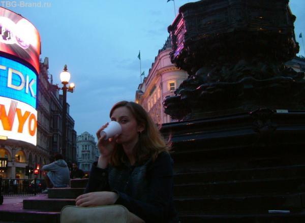 Распитие вина в центре Лондона
