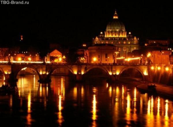 Ночной Ватикан.