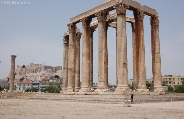 Храм Зевса на фоне Акропля