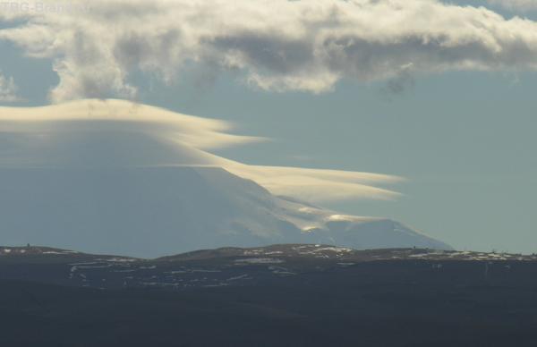 ноябрь. Непонятно, где заканчиваются горы и начинаются облака
