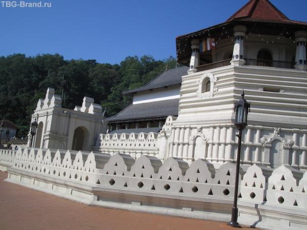 Храм Зуба в Канди