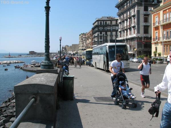 На набережной Неаполя