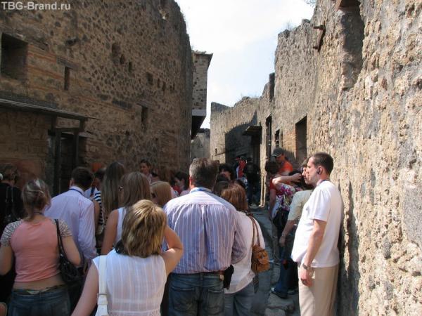 На узких улочках Помпеи
