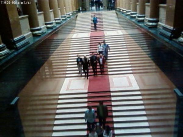 Фото Ирмы. Гланую лестницу разрешили снять!