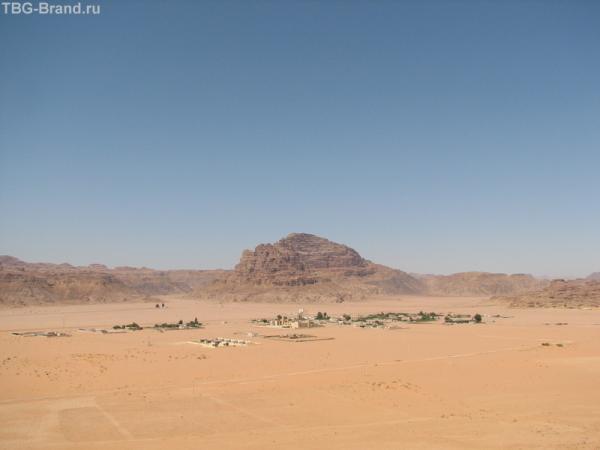 А там где-то в пустыне живут люди...
