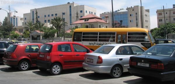 машин в Иордании очень много
