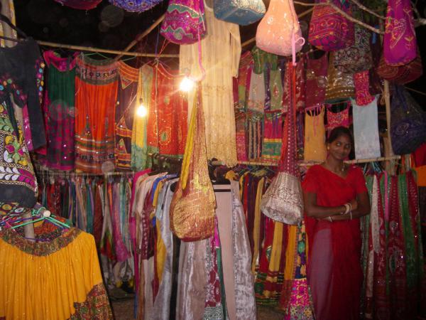 Яркие краски индийских одежд