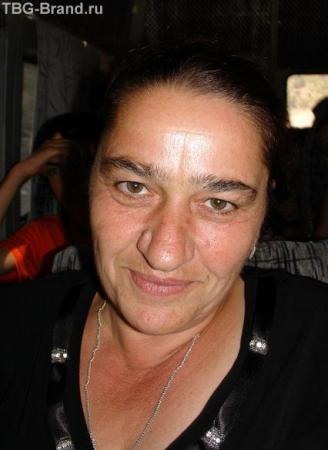 Абхазская женщина в траурной одежде. Попутчица в маршрутке.