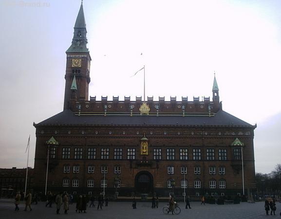 ратуша днём