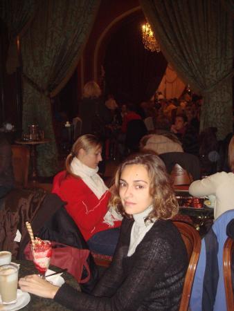 наивкуснейшие десерты в кафе Gerbaud