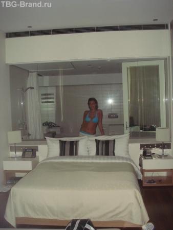 итакой вот странный номер, с прозрачным стеклом в ванную комнату