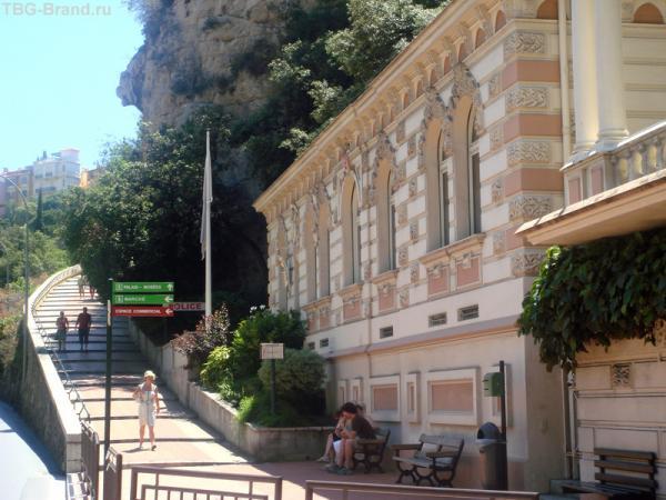 Дорожка в 10-15 минут к Monaco Ville