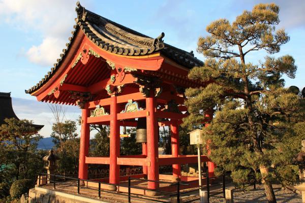 Киото, колокол у храма Чистой воды