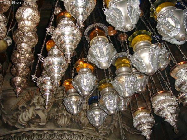 Лампады в Кувуклии