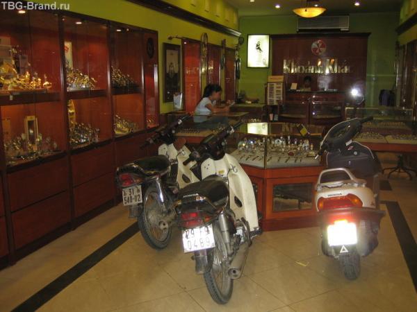 Гараж-часовой магазин
