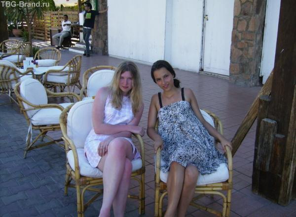 Настена и я: и хотя это только второй день, но я уже успела обгореть