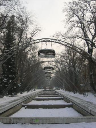 там фонтаны красивые даже зимой